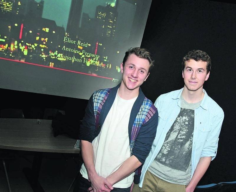 Avec leur documentaire intitulé Année-Lumière, Éliot Reid et Antoine Frenette, ont participé au Festival international de films étudiants de Québec.