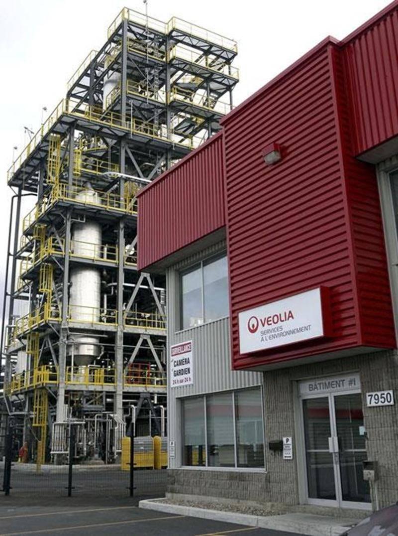 L'usine de recyclage des huiles usées de Saint-Hyacinthe, propriété du géant français Veolia, est en fait une raffinerie.