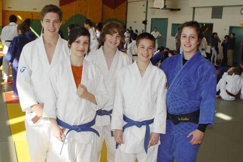 Jérémie Poirier, Sandrine Fournier, Benjamin Daviau, Émile Charbonneau et Élodie Lavoie.
