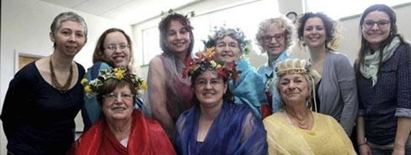 Les membres du Centre de Femmes l'Autonomie en SoiE se mettront dans la peau de déesses grecques le 9 mai alors qu'elles présenteront au grand public leur création théâtrale intitulée <em>Les filles de Gaïa</em>.