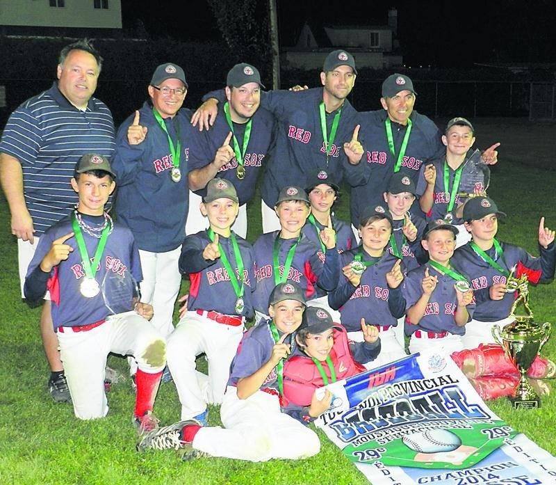 L'équipe gagnante de la classe AA, les Red Sox des Laurentides. Photo Courtoisie