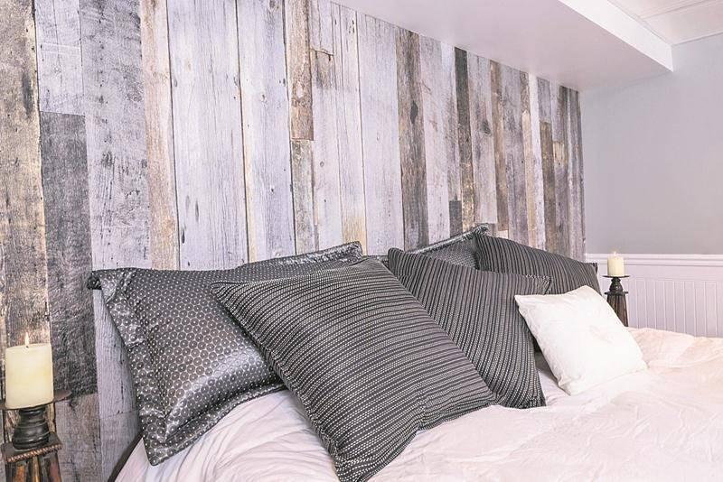 Le panneau mural imitant la texture du bois de grange est le produit le plus populaire sur le marché canadien.