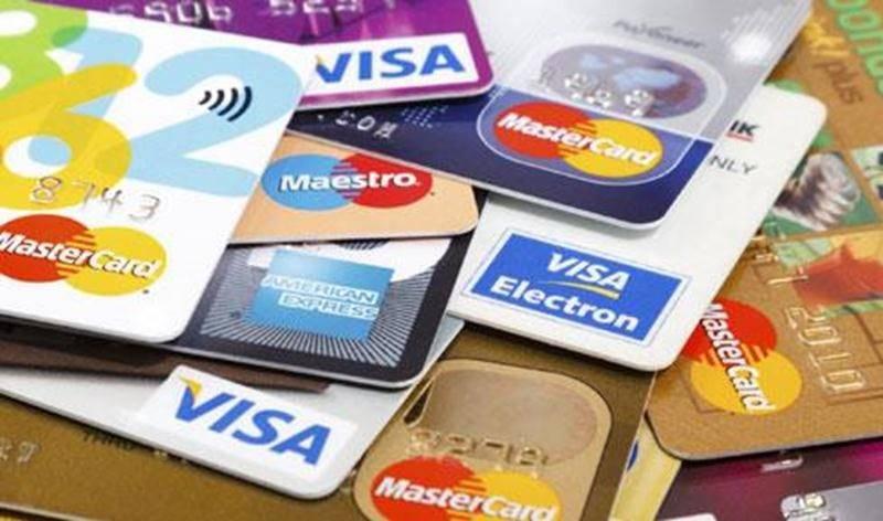 La carte de crédit corporative fait partie des outils de travail privilégiés du personnel du CLD. Il y en a cinq ou six en circulation, selon le DG qui refuse de dire combien d'employés possèdent aussi une carte de crédit au nom de la Cité de la biotechnologie.