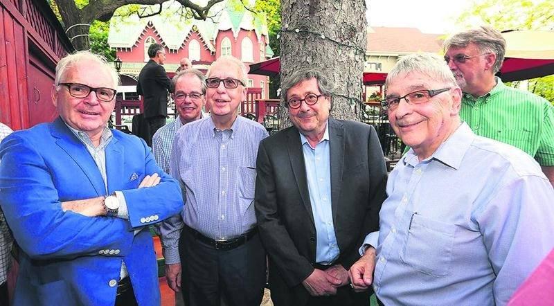 Pierre Béland, Roger Laurendeau, Raymond Saint-Pierre et Roger Duceppe.