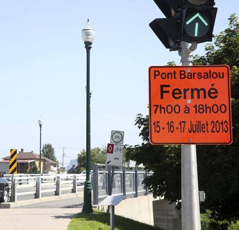 D'importants travaux de pavage entraîneront la fermeture complète du pont Barsalou du lundi 15 juillet au mercredi 17 juillet, de même que du segment de l'avenue Bourdages Nord compris entre le pont et la rue Girouard Ouest. Le pont Barsalou demeurera toutefois accessible aux cyclistes et aux piétons durant ces trois jours. Les automobilistes voulant traverser la rivière Yamaska au centre-ville seront invités à le faire par le pont Morison.