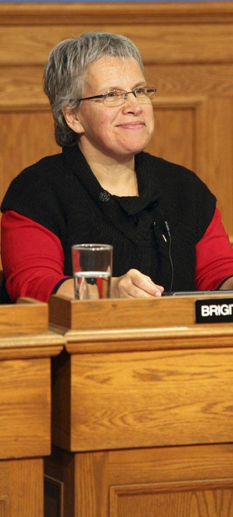 Brigitte Sansoucy prendra l'été pour réfléchir à l'idée de succéder à Marie-Claude Morin comme candidate du NPD aux prochaines élections.