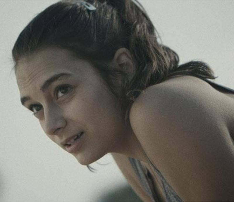Dans <em>Sarah préfère la course</em>, Sophie Desmarais livre une solide et touchante performance qui donne au film tout son charme.