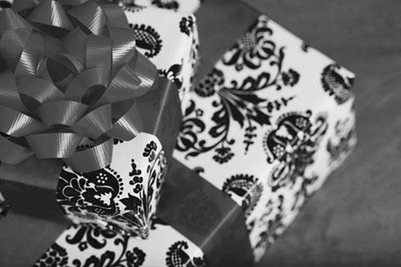 Depuis plus de 25 ans, l'opération emballage aide à financer les activités du groupe Cathédrale-Volcan. Pendant tout le mois de décembre, les scouts sont présents aux Galeries St-Hyacinthe pour emballer vos trouvailles et emplettes de Noël. Horaire: lundi au vendredi de 9 h 30 à 21 h; samedi et dimanche de 10 h à 17 h. Venez les encourager!