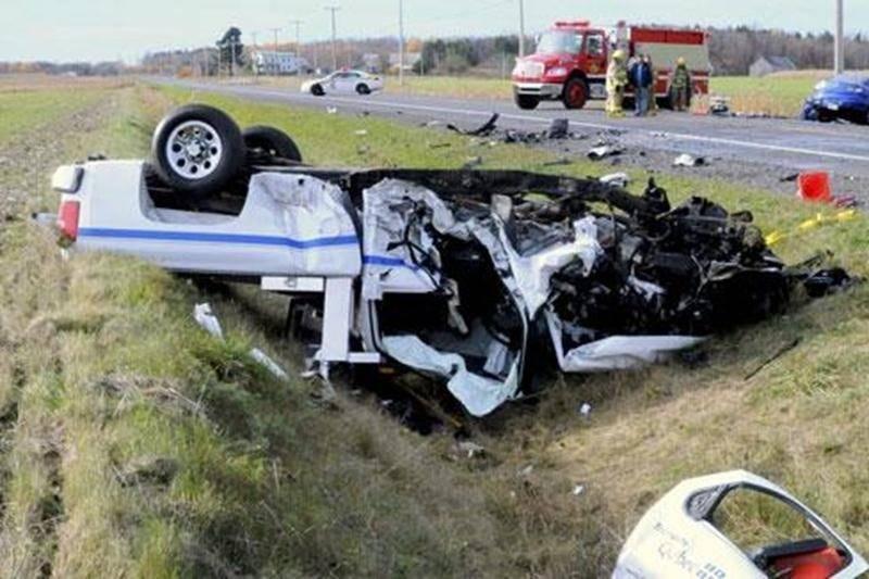 Un Maskoutain de 51 ans, Yves Vigeant, est décédé à la suite d'une collision frontale survenue sur la route122 à Saint-Guillaume. Sous la force de l'impact, son véhicule s'est retrouvé à l'envers dans le fossé.