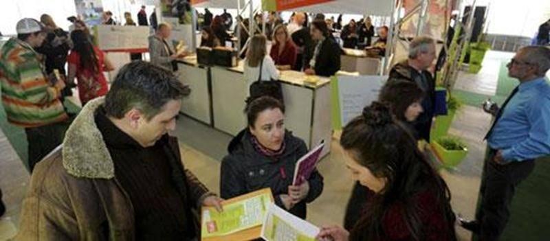 Les entreprises présentes à la Journée de l'emploi sont reparties avec des piles de curriculum vitae.