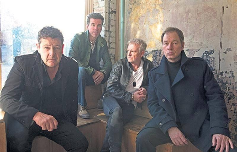 Après une tournée canadienne de 45 spectacles en 60 jours avec le chanteur Johnny Reid, le groupe Glass Tiger s'arrêtera au Centre des arts Juliette-Lassonde pour un concert intimiste le 9 mai.