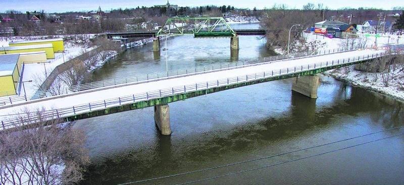 Le début des travaux de démolition - reconstruction du pont Bouchard est pour très bientôt. Photo François Larivière | Le Courrier ©