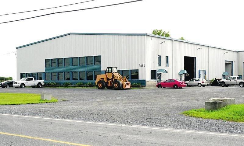 L'entreprise K&C Diesel compte opérer dans le bâtiment industriel où était précédemment installée Ventec Ventilation sur l'avenue Pinard dans le secteur Saint-Thomas-d'Aquin. Photo François Larivière   Le Courrier ©