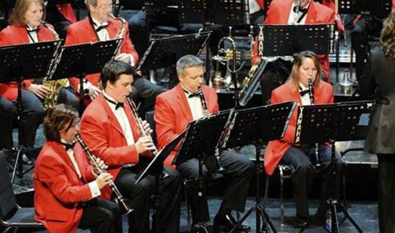 La Société Philharmonique a repris ses activités et est toujours à la recherche de musiciens (flûtes, clarinettes, trompettes, trombones). Les personnes intéressées à joindre ses rangs peuvent communiquer avec nous à musique@sophil.org ou en composant le 450 501-0197.