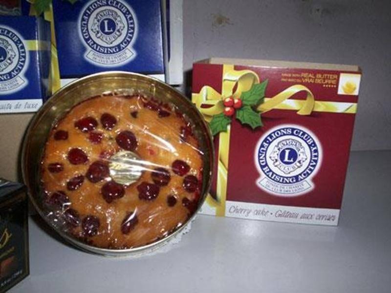 Les bénévoles du Club Lions seront présents chez RONA du 13 au 15 décembre ainsi que du 20 au 22 décembre pour vous offrir gâteaux aux fruits, gâteaux blanc aux cerises, noix de luxe ou truffes à des coûts variant de 9 $ à 17 $. Pour commander, joindre Mme Langelier au 450 799-1892 ou Monique St-Laurent, des scouts Cathédrale-Volcan, au 450 799-1093.