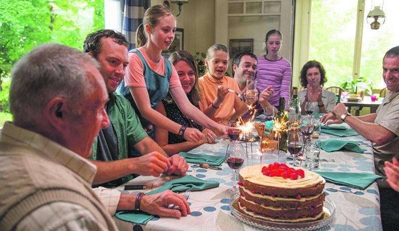 La famille Beaulieu avec à sa tête Roland, le paternel, interprété par Gilbert Sicotte.  Remstar Films