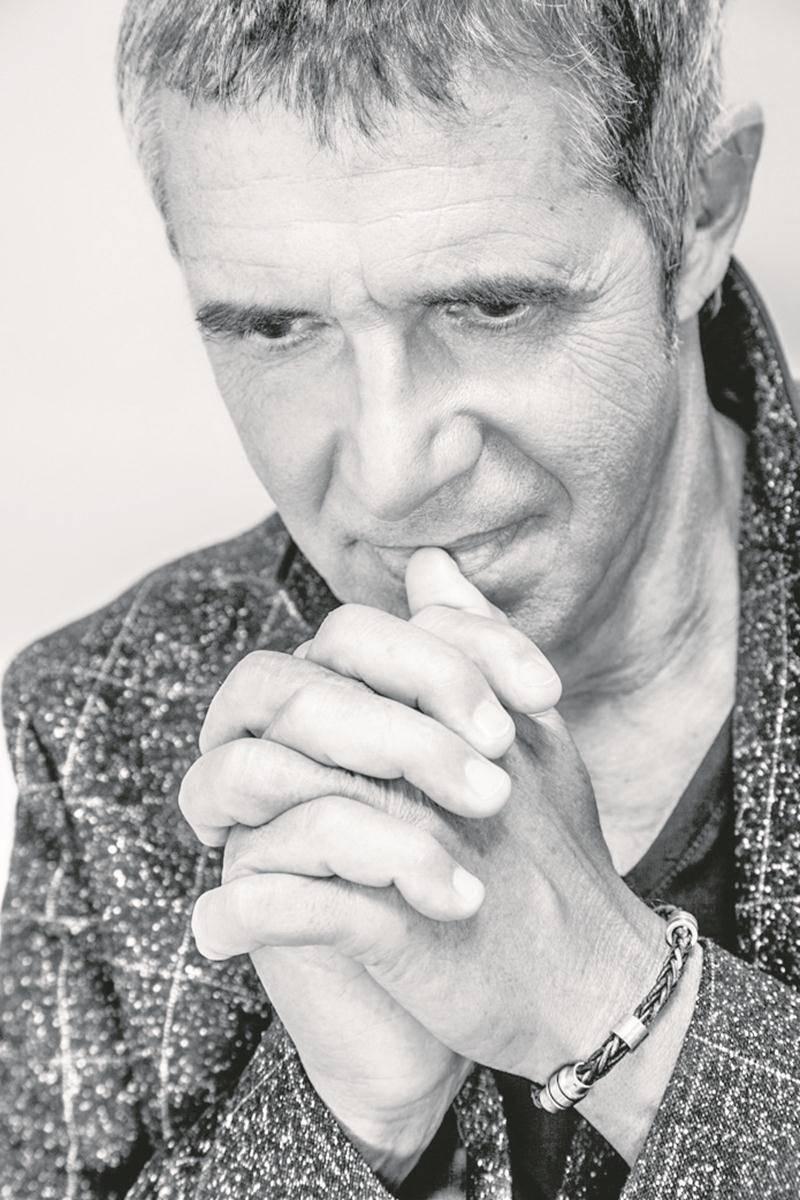 Le chanteur français, julien Clerc sera ce soir sur la scène du Centre des arts Juliette-Lassonde.  Photo Barbara D'Alessandri