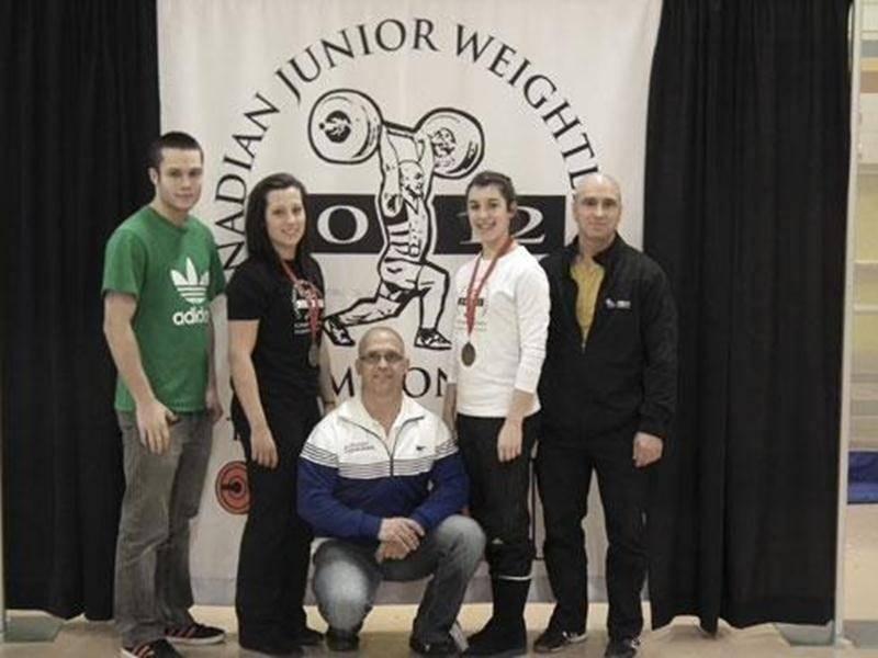 Gabriel Rajotte, Catherine Darsigny, Yvan Darsigny, Tali Darsigny et Michel Piétracupa ont représenté Équipe Québec au Championnat canadien junior d'haltérophilie.