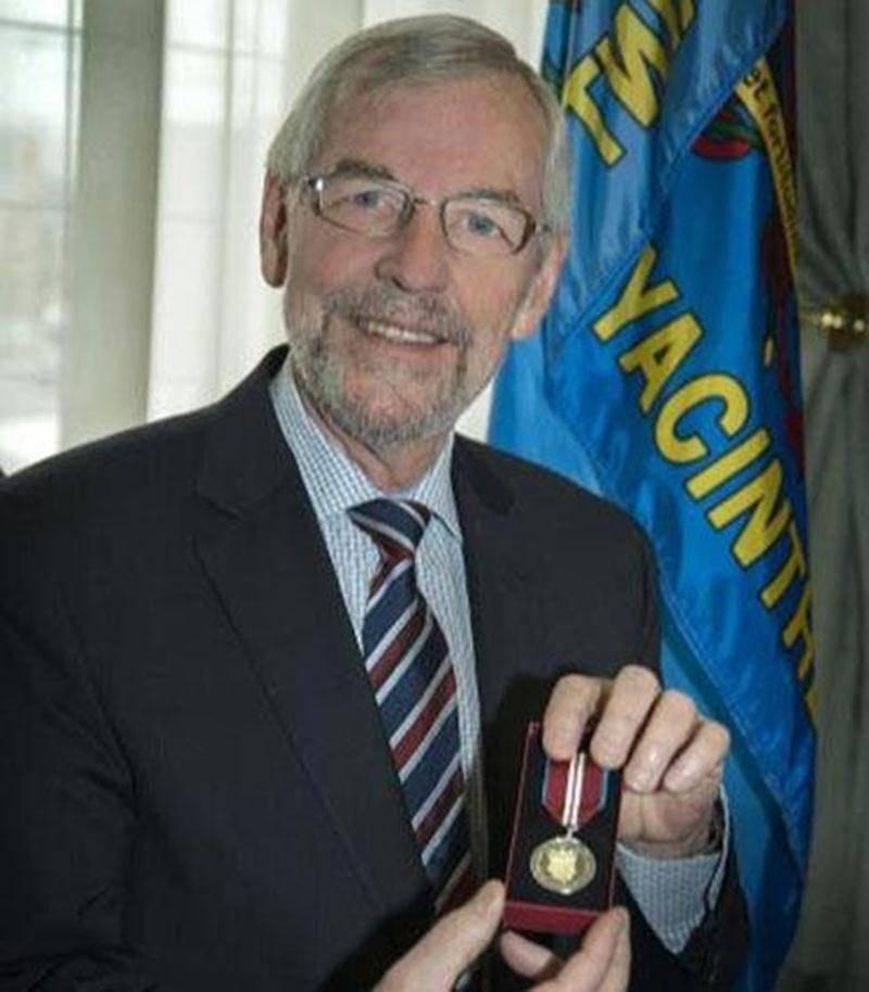 Le maire Claude Bernier vient de recevoir la médaille du Jubilé de diamant de la Reine Elizabeth II.