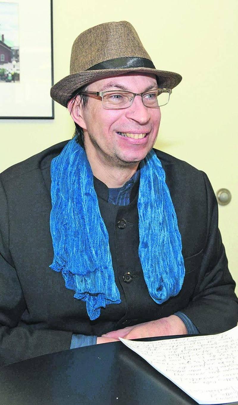 Atteint du syndrome de Gilles de la Tourette, Jean-François Laroche souhaite relancer sa carrière de conférencier avec l'aide d'un gérant. Photo François Larivière   Le Courrier ©