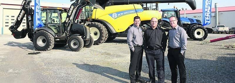 Sur la photo, l'équipe de direction, de gauche à droite: Daniel Riendeau, directeur général de Longus; Michel Robert, directeur général d'Inotrac; Gilles Denette, directeur général de Machinerie CH.