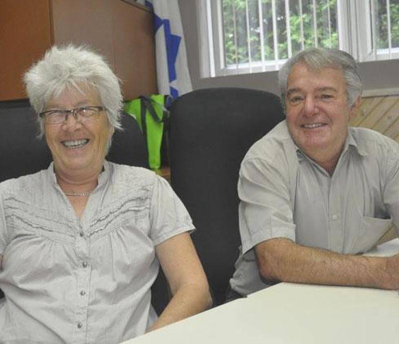 Suzanne-Solange Marier, directrice générale du CPE Les Amis Gators et Yves Petit, maire de Sainte-Hélène-de-Bagot, espèrent que cette municipalité sera dotée d'un Centre de la petite enfance dès 2014.