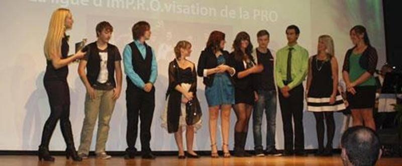 Sur la photo, les récipiendaires du troisième Gala de reconnaissance scolaire de la Commission scolaire de Saint-Hyacinthe.