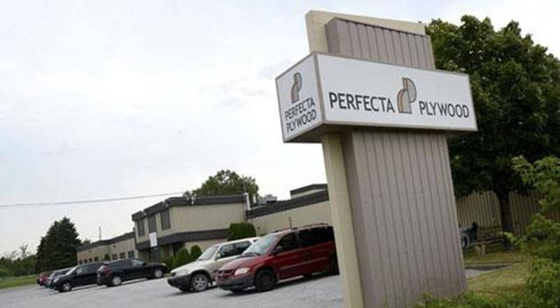 L'entreprise Perfecta Plywood située sur la rue Brouillette à Saint-Hyacinthe.