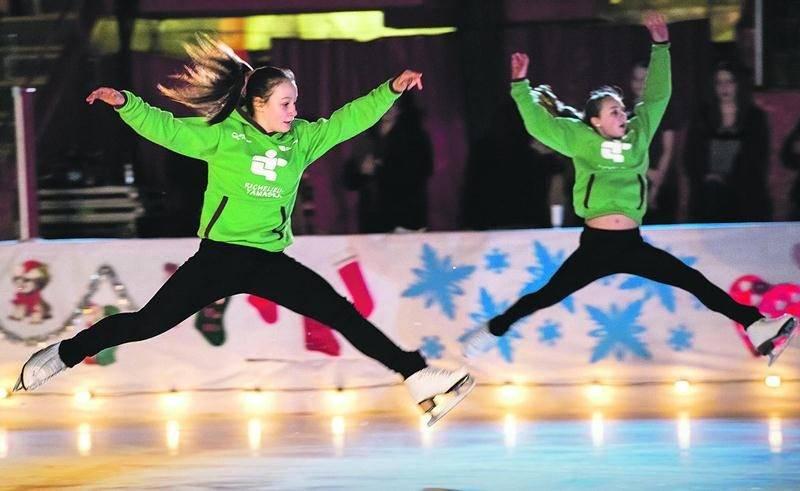 Les patineuses du CPA de Saint-Hyacinthe ayant représenté la région Richelieu-Yamaska aux Jeux du Québec ont aussi présenté un numéro.