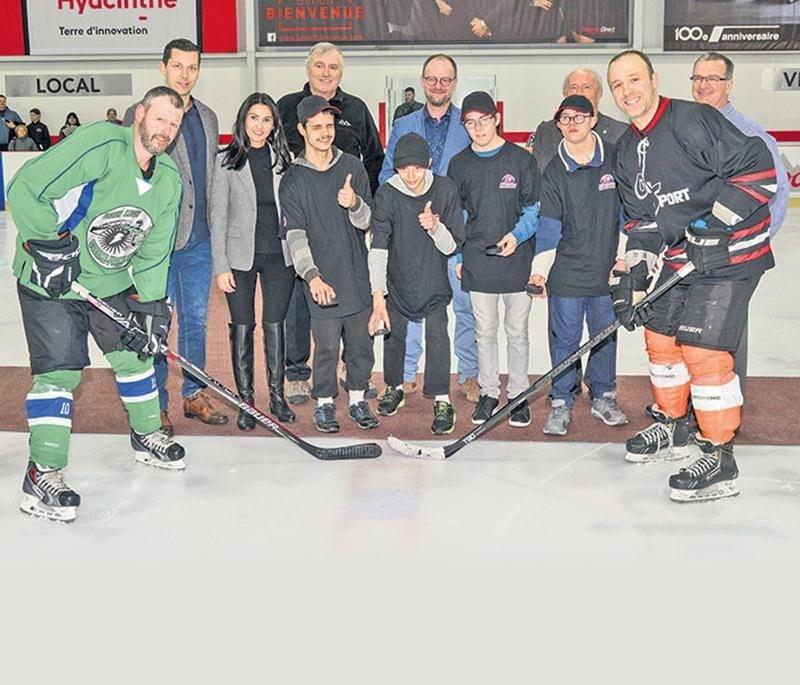 Le tournoi de hockey des Patriotes a présenté une édition record du 25 au 29 avril. À l'arrière,
