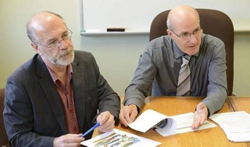 Réal Campeau, directeur à l'aménagement à la MRC Les Maskoutains et le directeur général, Gabriel Michaud, ont présenté la Vision stratégique récemment adoptée par le conseil des maires, de même que le plan d'action qui en découle.