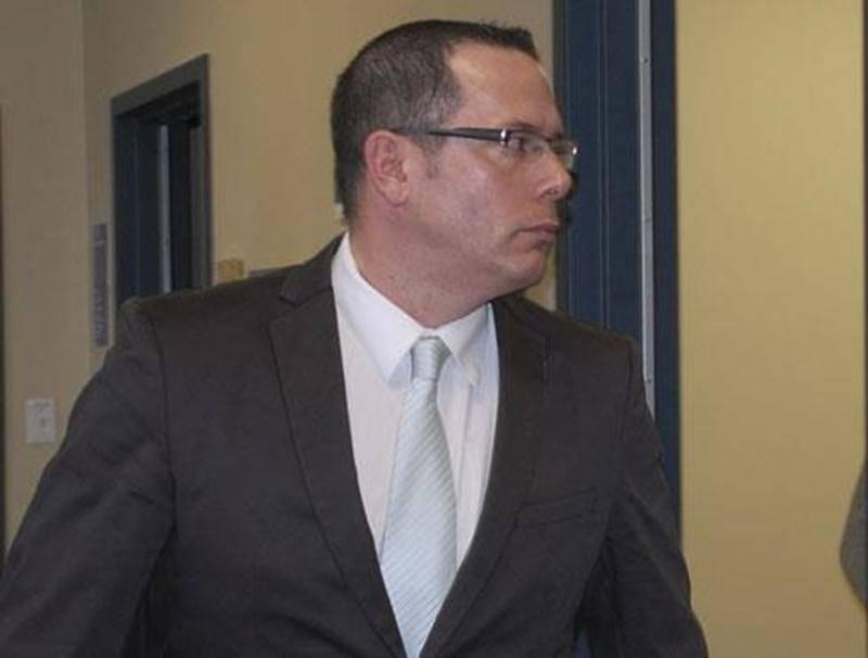 Philippe Julien se retrouve derrière les barreaux après avoir été condamné à 21 mois d'emprisonnement pour des accusations à caractère sexuel sur une mineure.