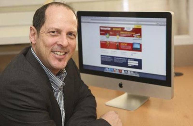 Michel Bienvenue, responsable de la plate-forme lecourrierzoneweb.com.