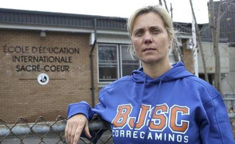 L'enseignante d'espagnol Florencia Molina a été forcée de quitter son emploi à l'école Bois-Joli-Sacré-Coeur, car elle contrevenait à la Loi sur l'instruction publique en ne détenant pas de brevet d'enseignement.