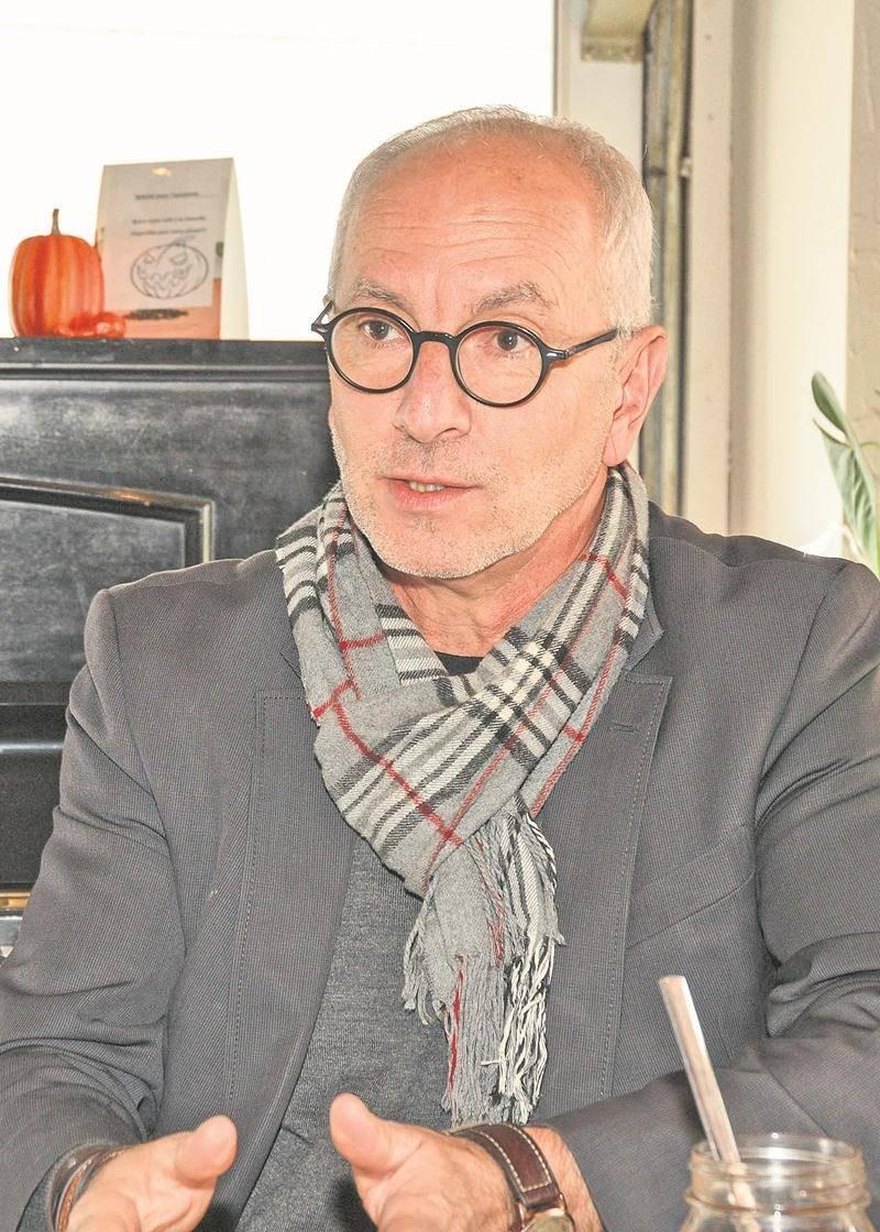 Le directeur général de la Chambre de commerce de la grande région de Saint-Hyacinthe, Pierre Rhéaume, annonce qu'il quittera ses fonctions à la fin de l'année. Photo François Larivière | Le Courrier ©