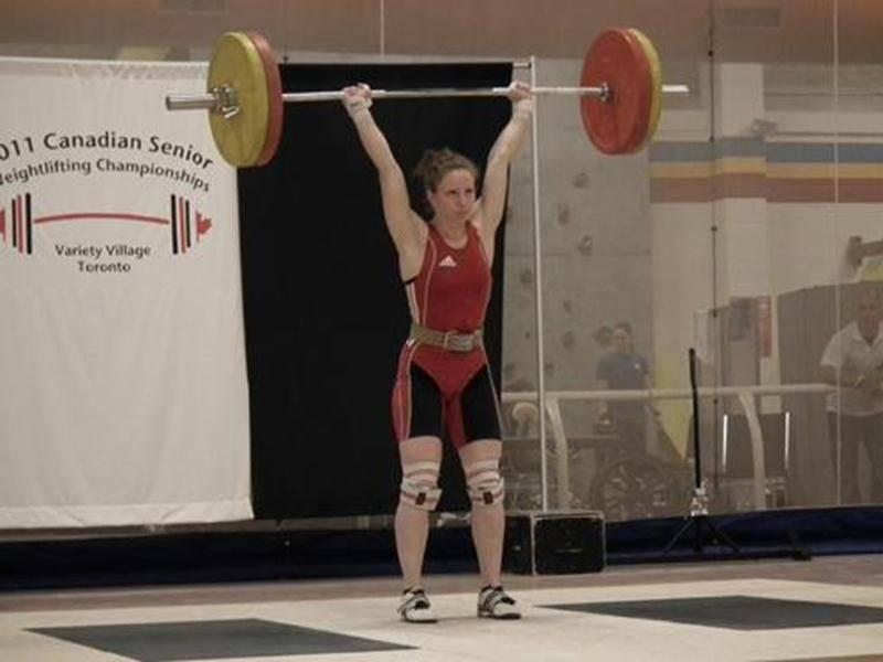 Annie Moniqui a égalé un sommet personnel en soulevant 105 kg à l'épaulé-jeté.