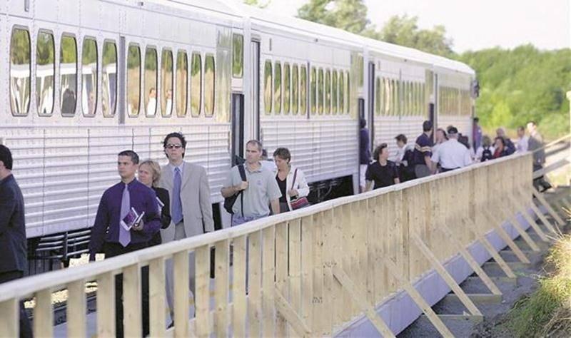L'ouverture de la gare de Mont-Saint-Hilaire à l'automne 2002. Photothèque   Le Courrier ©