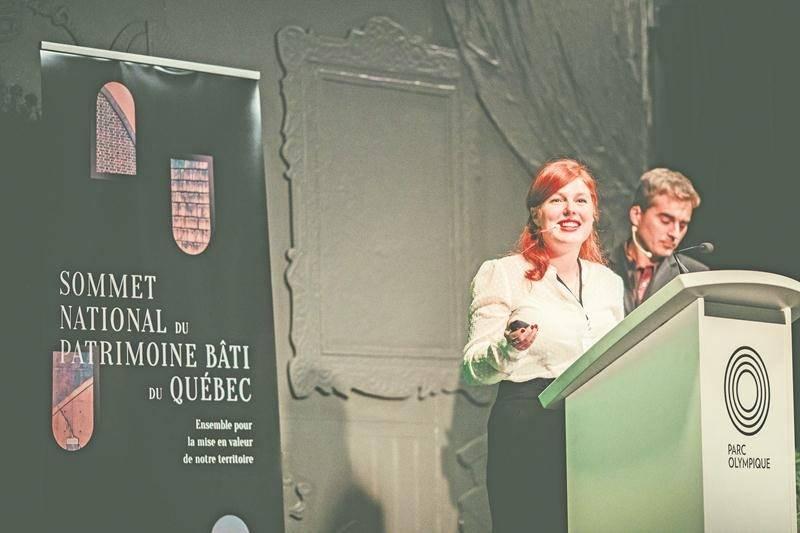 Émilie Vézina-Doré, directrice générale d'Action patrimoine, au cours d'une présentation qu'elle a faite le 1er novembre au Sommet national du patrimoine bâti du Québec, tenu au Parc olympique de Montréal.  Photo courtoisie d'Action patrimoine