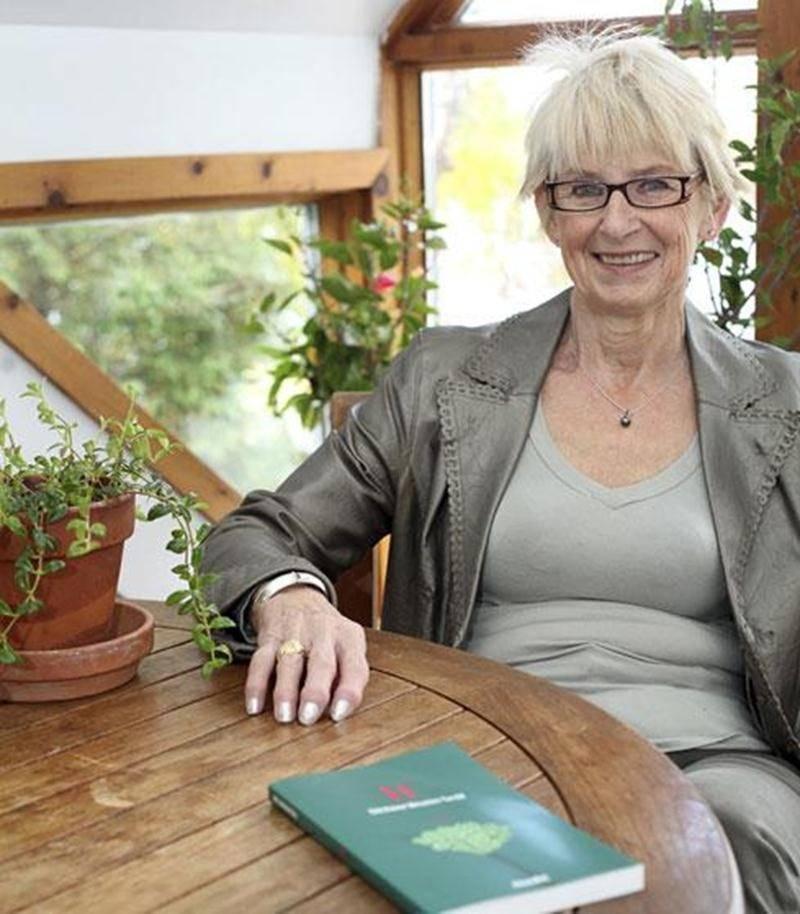 Avec son plus récent roman <em>If</em>, l'auteure Ghislaine Meunier-Tardif aborde l'«amitié amoureuse» chez les personnes âgées.