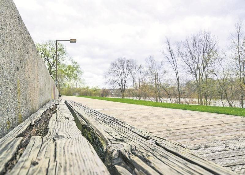 C'est au bureau Daoust Lestage, de Montréal, spécialisé en architecture du paysage, que la Ville a confié la tâche d'élaborer le concept à partir duquel la promenade Gérard-Côté sera reconstruite, à un moment qui n'a pas encore été déterminé. Photo François Larivière   Le Courrier ©
