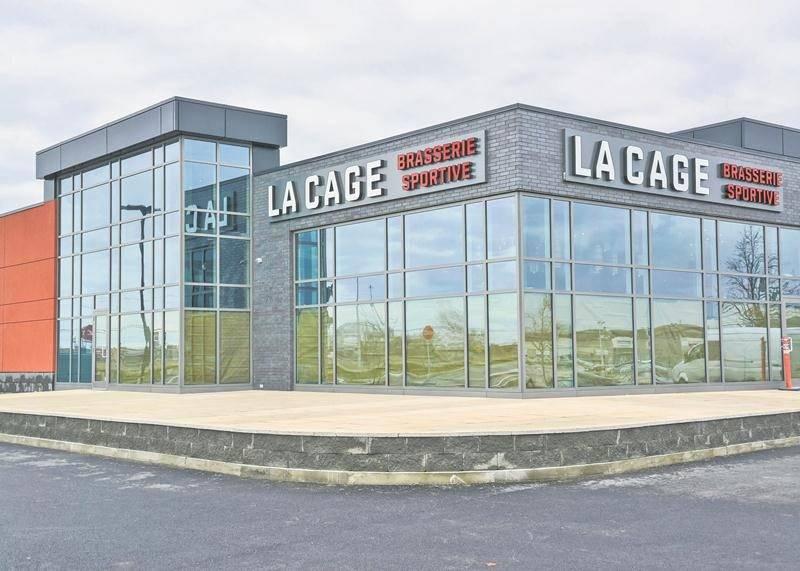 La nouvelle Cage Brasserie sportive ouvrira ses portes le 1er février sur le site du Complexe Johnson. Photo François Larivière | Le Courrier ©