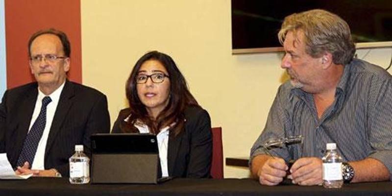 Dans l'ordre habituel, Yvon Brunelle, gestionnaire de comptes chez Sogetel; Isis Thiago De Souza, vice-présidente Services techniques de Sogetel et Mario De Tilly, directeur général du CLD Les Maskoutains.