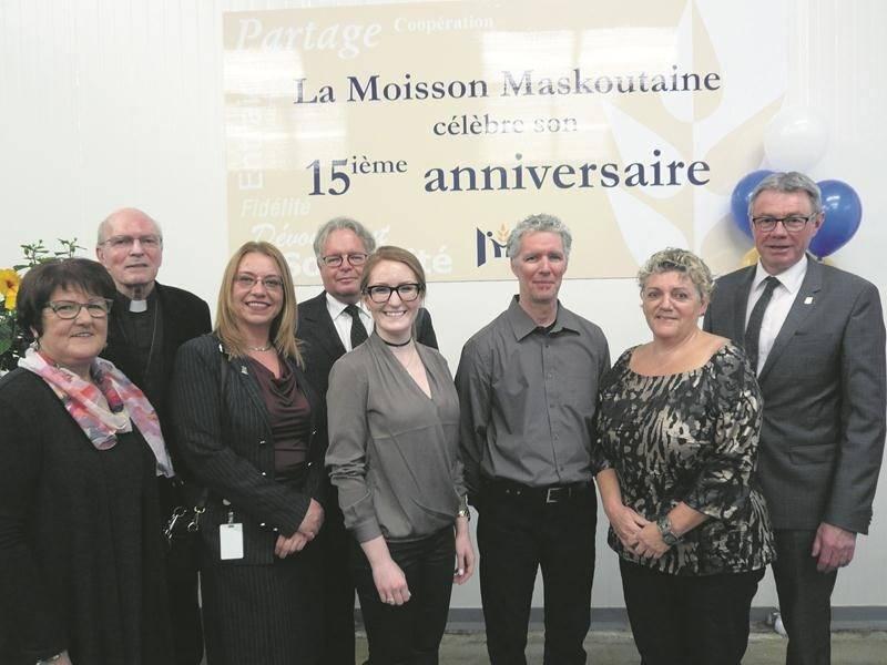 Sur la photo, dans l'ordre habituel : Claudine Gauvin, Mgr François Lapierre, Micheline Martel, Daniel Laplante, Virginie Breault-Lafleur, Pierre Provost, Manon Desrosiers et Claude Corbeil.