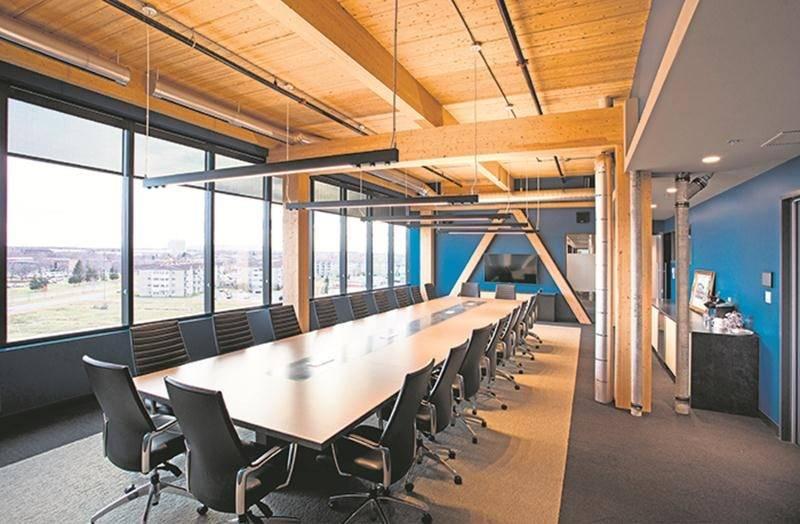 Tout au haut du Complexe Synergia, on retrouve la spectaculaire salle de conférence de Sylvestre & Associés.