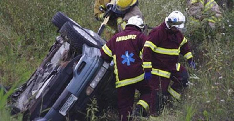 Un capotage est survenu sur le boulevard Laurier, à la hauteur de l'aéroport de Saint-Hyacinthe, vers 16 h le 21 août. Le conducteur s'est retrouvé sur le côté dans un fossé. Coincé dans son véhicule, le conducteur a dû attendre l'arrivée des pompiers avec les pinces de désincarcération pour l'extirper de sa fâcheuse position. Le conducteur a été transporté à l'Hôpital Honoré-Mercier par mesure préventive, n'ayant subi que des blessures mineures dans l'incident.