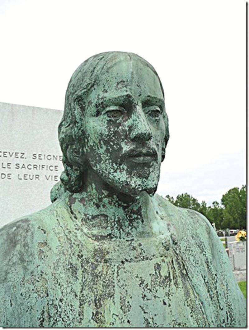 La statue volée est une œuvre de J.-Émile Brunet conçue en 1938, puis inaugurée en 1939.   Photo Centre d'histoire de Saint-Hyacinthe
