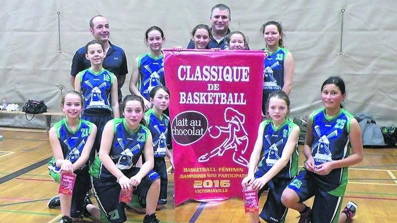 Le Bleu et Vert de l'école Aux Quatre-Vents a remporté la Classique Le Lait à Victoriaville dans la classe mini AA. Photo Courtoisie