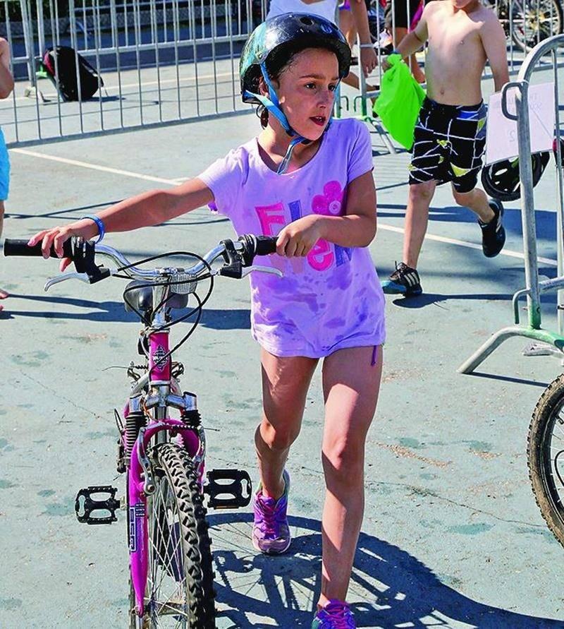 Plus de 500 jeunes ont participé au triathlon scolaire de l'école Bois-Joli-Sacré-Coeur. Photo Robert Gosselin | Le Courrier ©