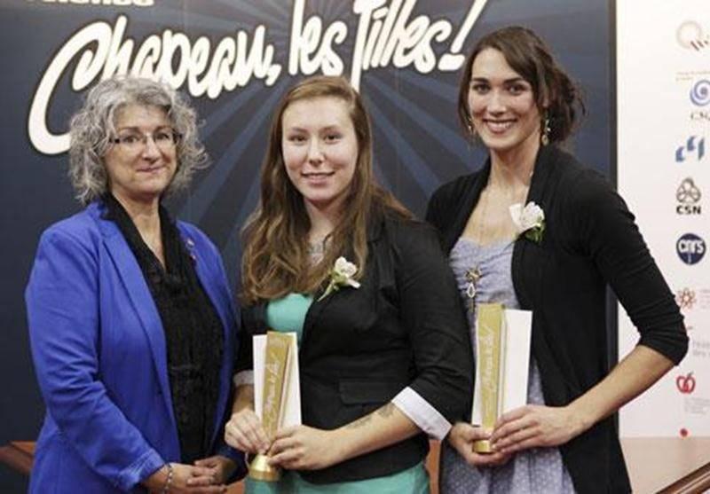 Mélissa Daigle (à droite) a remporté un prix au gala national <em>Chapeau, les filles!</em>