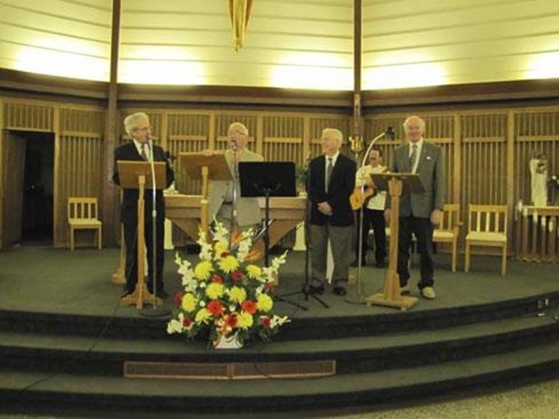 Le quatuor Los Padres Missioneros a donné un concert-bénéfice pour l'aménagement d'une école à Palencia, Guatémala. Ce concert a eu lieu le 11 mai, en présence d'une centaine de personnes. Les Padres ont été enchantés de l'accueil et les personnes présentes ont beaucoup apprécié leur soirée.